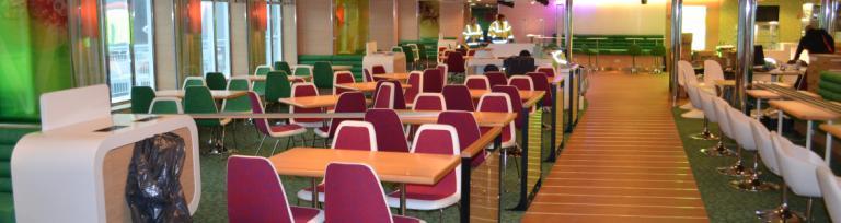 Zonă de odihnă, publică, pe feribot transport marfă,cu restaurant și bar